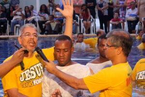Mais de 40 pessoas são batizadas na 92ª Assembleia da CBB