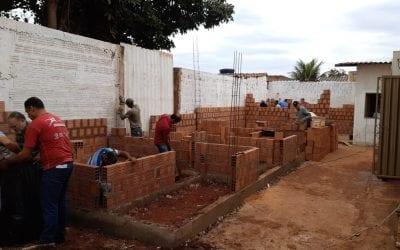 IB Adonai recebe mutirão para construção de banheiros